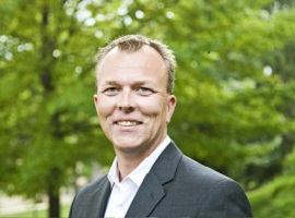 Nils M. Apeland til First House